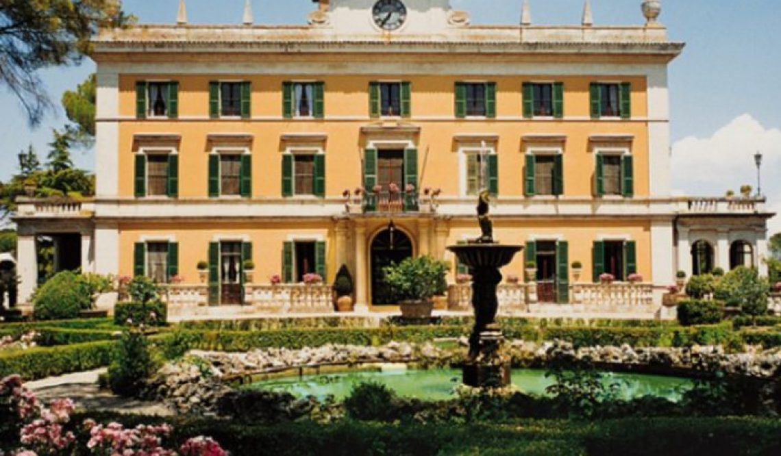 Buying an 18th century villa in Umbria.With an Italian garden and beautiful fountains