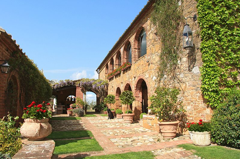 Price reduction for renovated farmhouse in Tuscany
