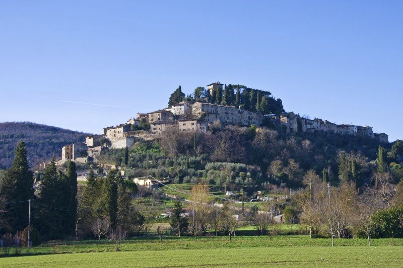 Two Americans in Cetona – How to buy an apartment in Tuscany