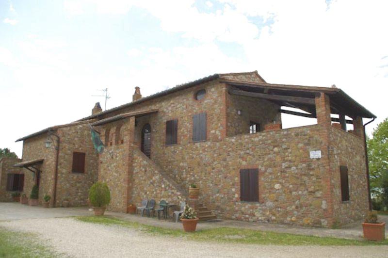 Intervista a Renato Nannotti. Parla il proprietario di un casale di prestigio in vendita in Umbria