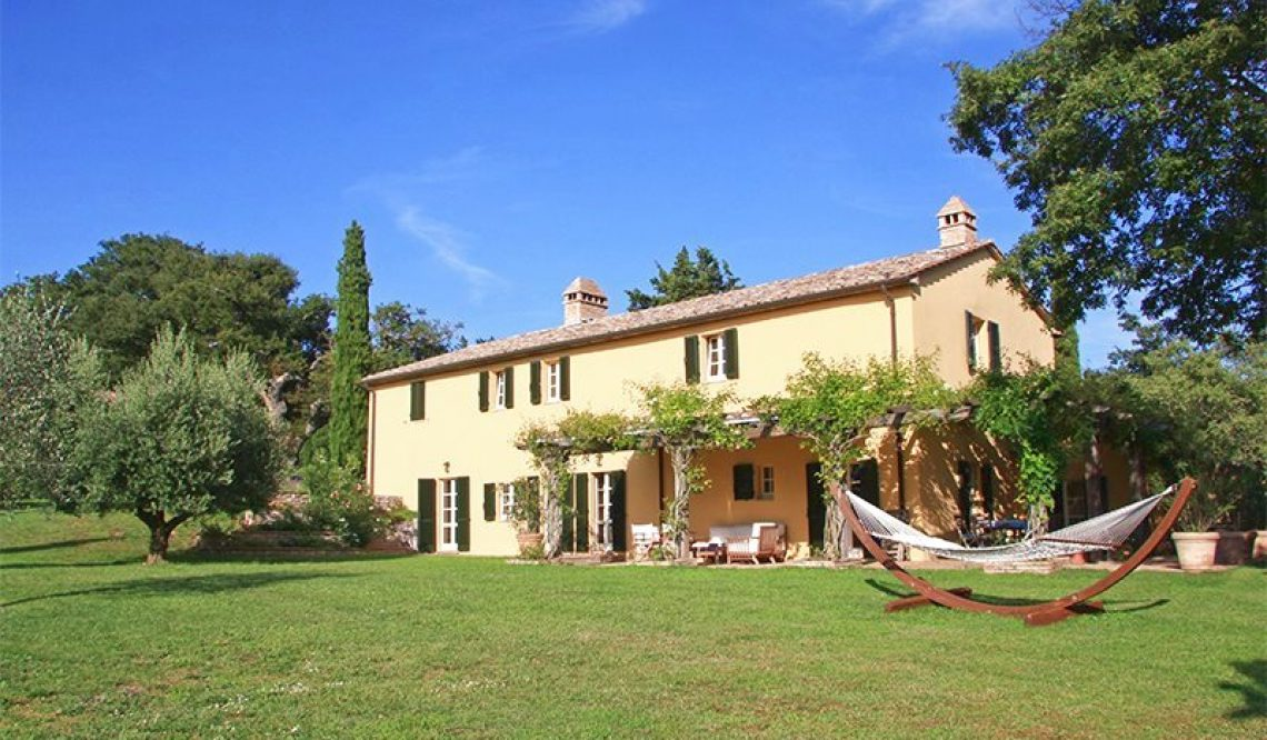 Selling a tuscan farmhouse to canadian clients