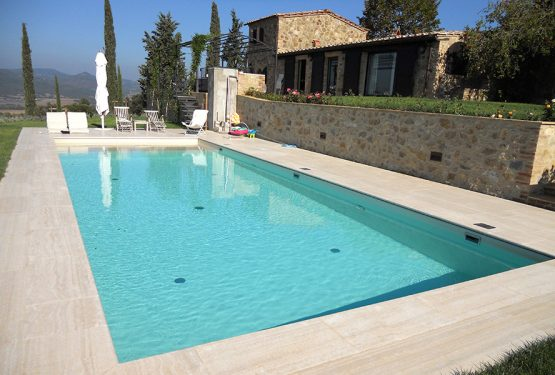 A swimming pool for a perfect farmhouse in Tuscany