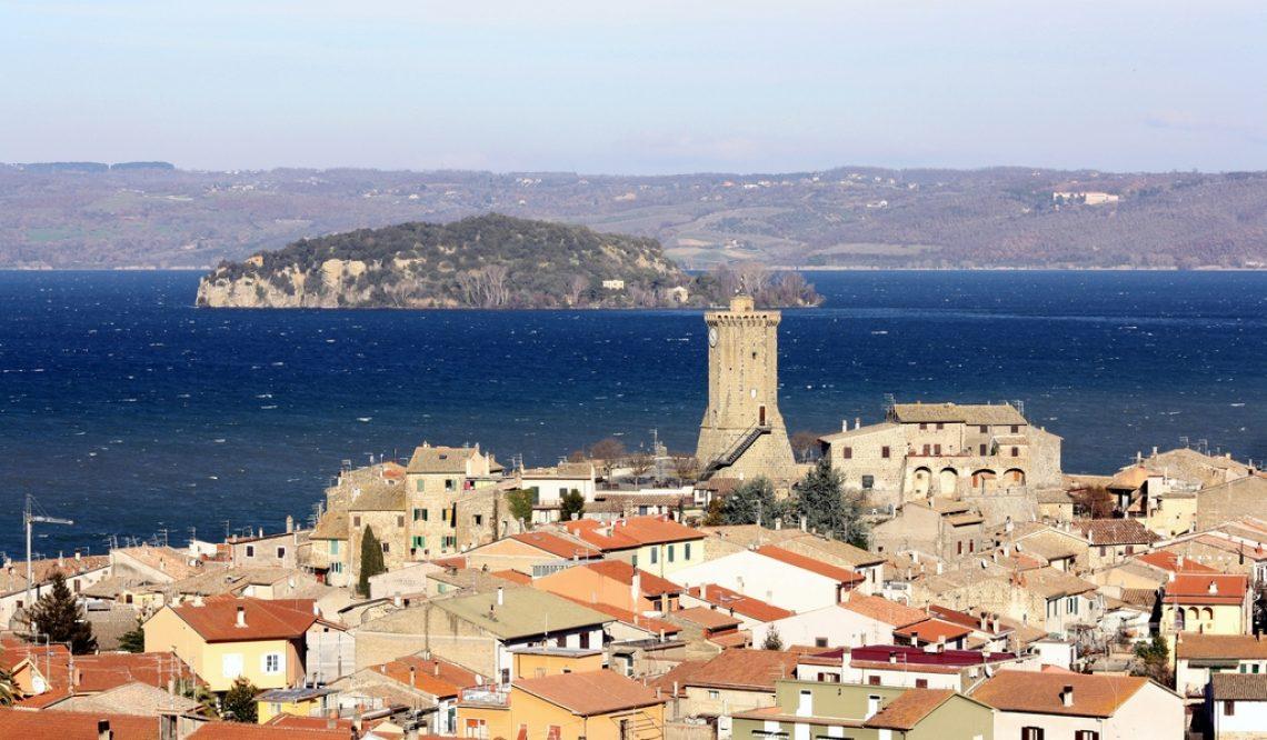 Le più belle città sul lago di Bolsena; cosa visitare attorno al lago