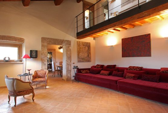 Great Estate sales a beautiful apartment in the historic centre of Cetona