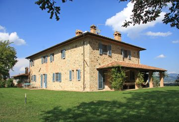 """Podere delle Lavande"" a Farmhouse of Dreams sold in Città della Pieve.One more significant sale of Great Estate Group"
