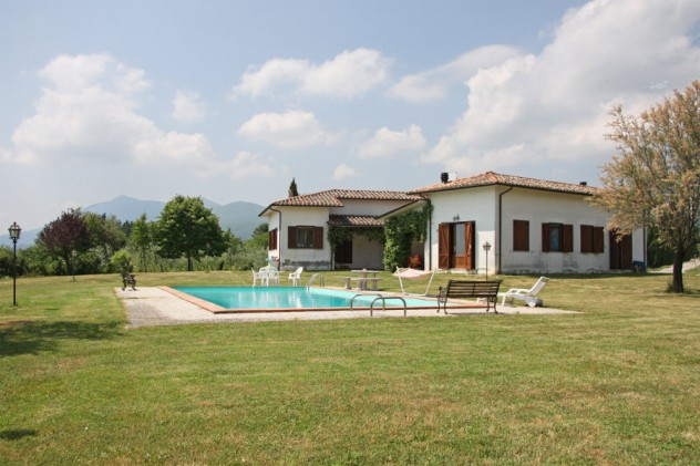 Farmhouse sold in Sarteano for €460.000,00 – cpge2562 – 17 June 2015