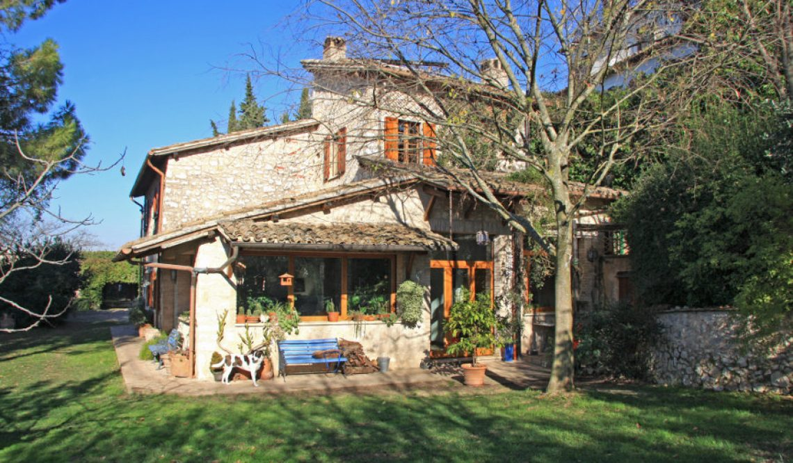 Great Estate vende un bellissimo casale a Trevi, in Umbria