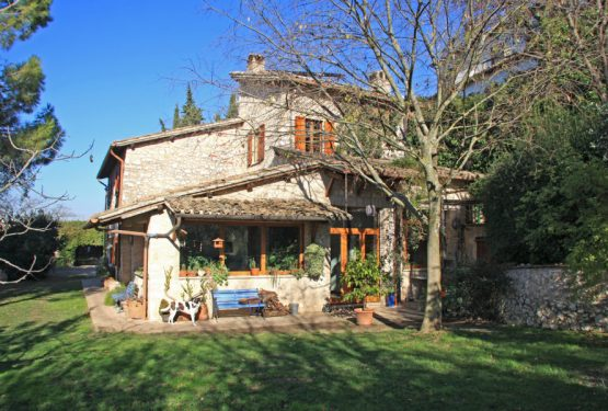 The Great Estate Group sells a beautiful farmhouse in Trevi, in Umbria