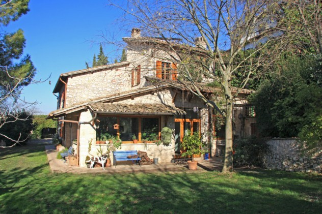 Farmhouse sold in Trevi for € 470.000,00 – cpge2456 – 23 April 2015