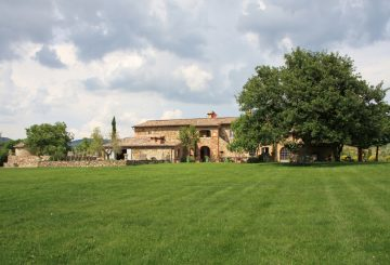 Great Estate Group is looking for properties for German clients in the Northern part of Tuscany.