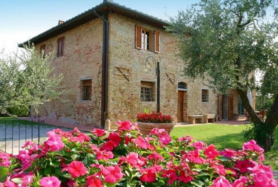 We are looking for a prestigious property in Tuscany for an important client