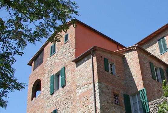 Buying a luxury villa in Umbria