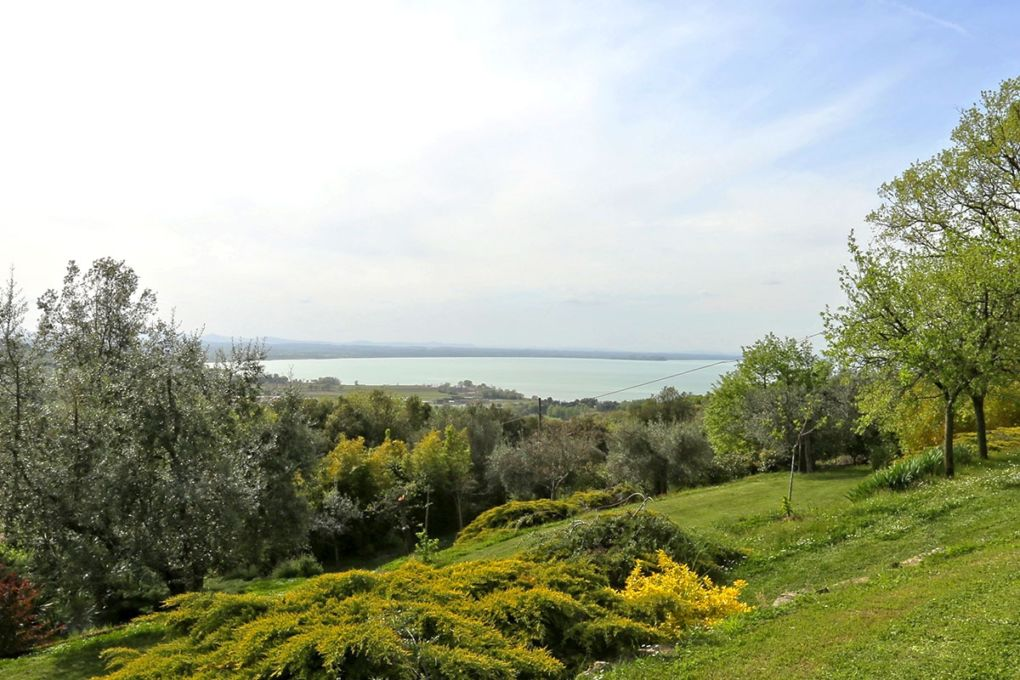 How to Sell a Villa on Lake Trasimeno Only in Nine Months!