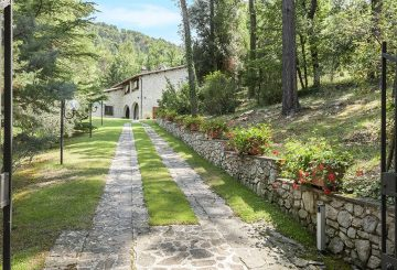 The Villa sul Clitunno: the new sale of Great Estate