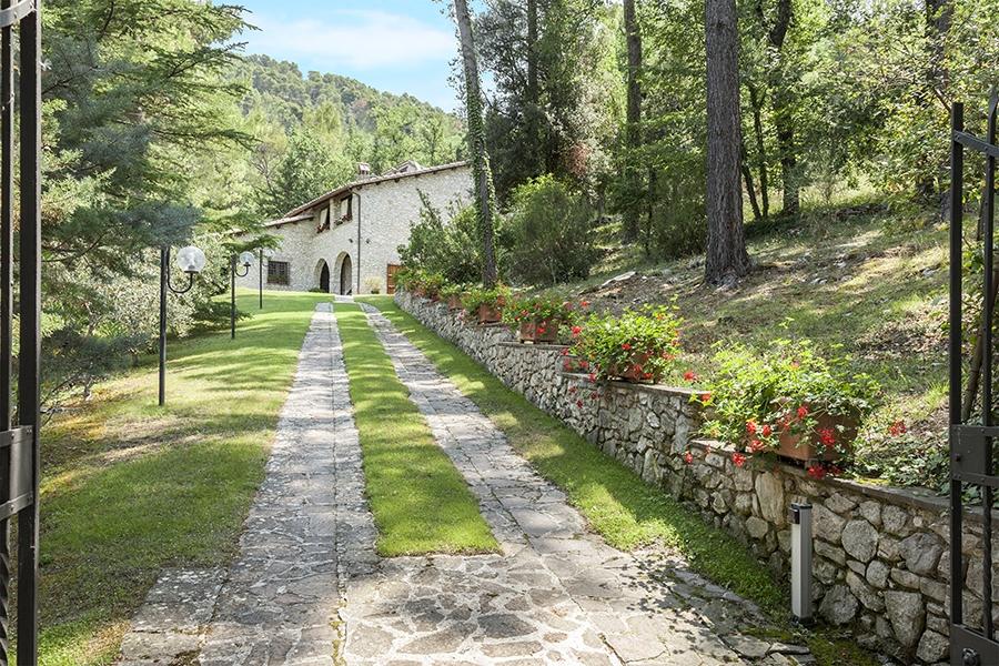 The Villa sul Clitunno: the new sale of Great Estate