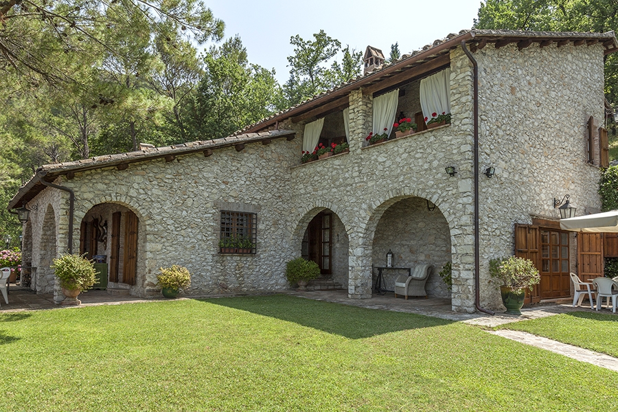 The splendid Villa in Clitunno sold to international clients