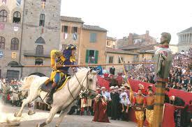 Sarteano e le sue tradizioni: le origini della Giostra del Saracino