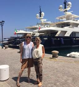 Diana Bellew, Business Development Italy, e Elisa Biglia, Head of International, a POrto Santo Stefano - Monte Argentario - Toscana