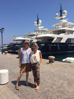 Diana Bellew, Business Development Italy, e Elisa Biglia, Head of International, a POrto Santo Stefano – Monte Argentario – Toscana