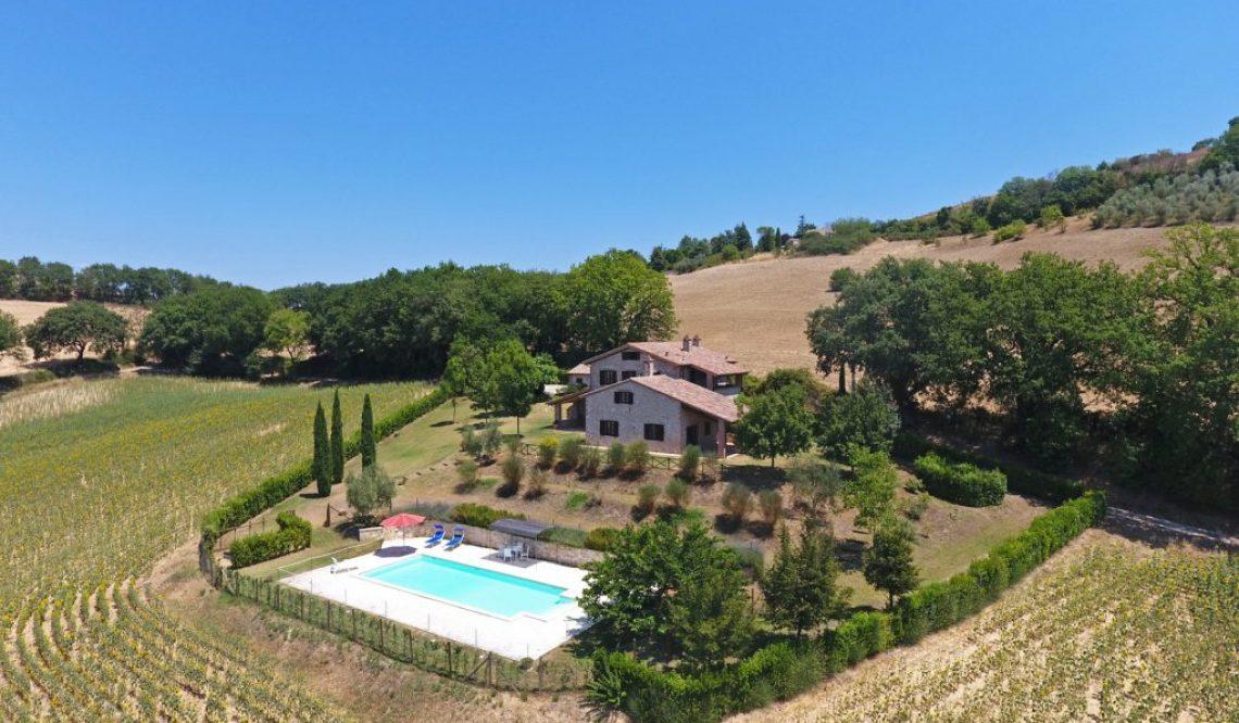 Il Poggio: incantevole casale in Umbria immerso nella Valle del Tevere