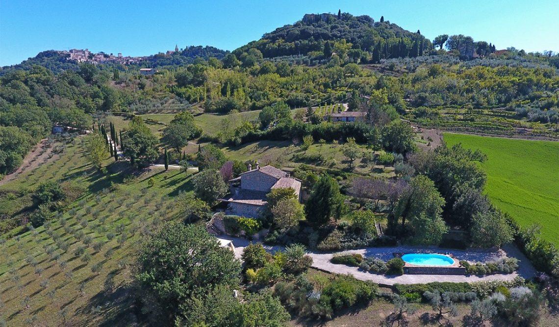 """La vendita di """"Casale San Giorgio"""": intervista alla nostra consulente Carla Caselli"""