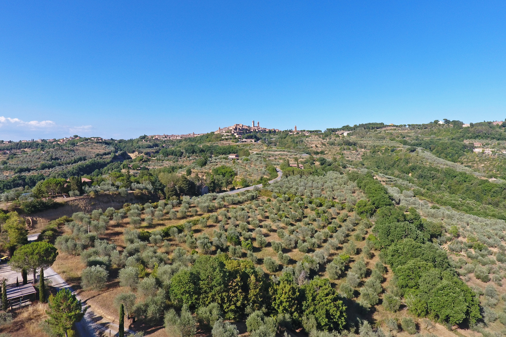 Un'oasi tra gli ulivi con vista su Città della Pieve: Il Borgo Delle Grazie Toscane