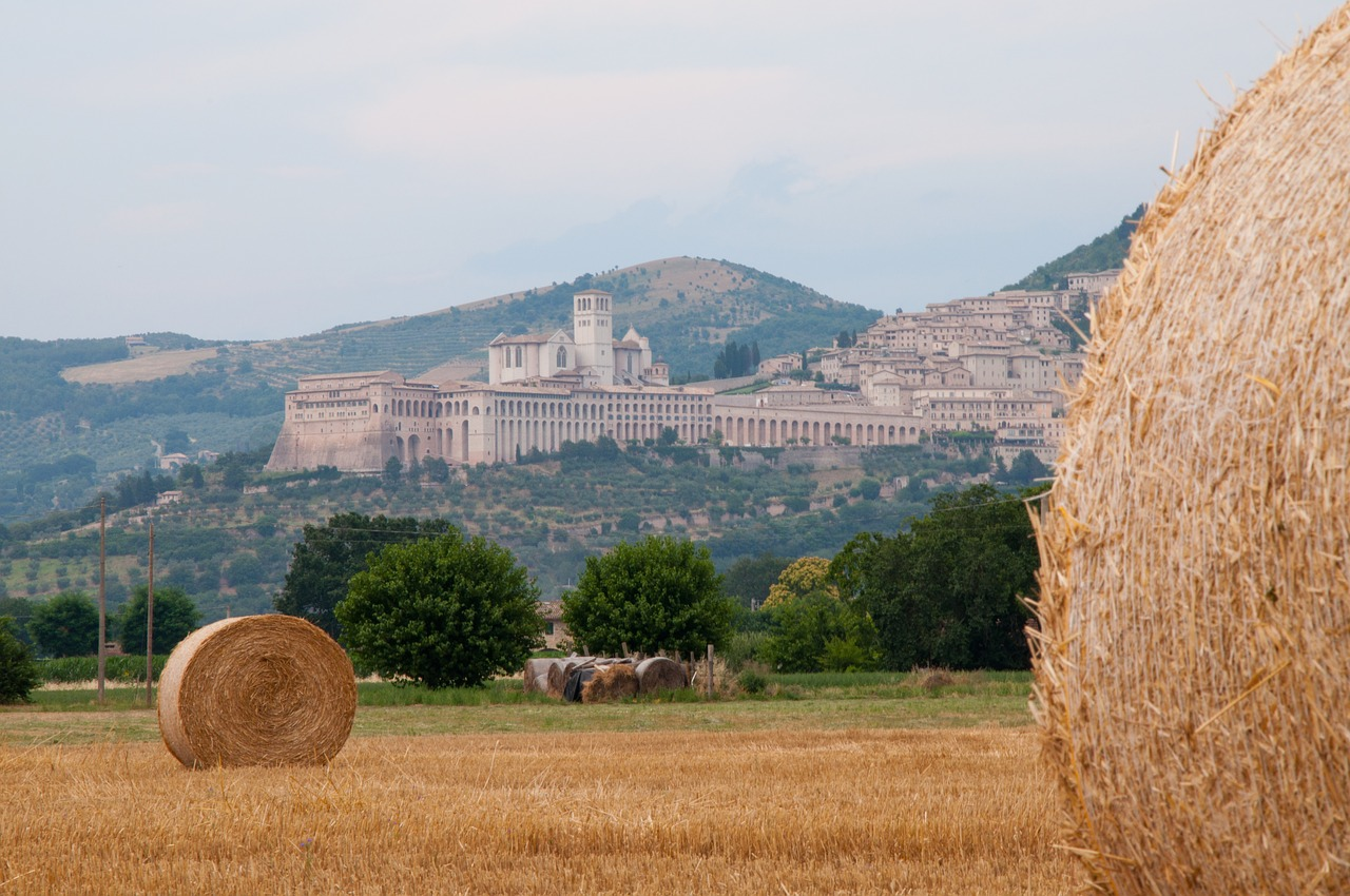 "The ""green heart of Italy"": Umbrian landscape and surroundings"
