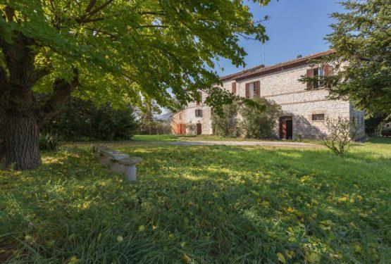 Tra campagna e mare, una dimora dell'Ottocento tutta da personalizzare: Casale Sant'Antonio nelle Marche