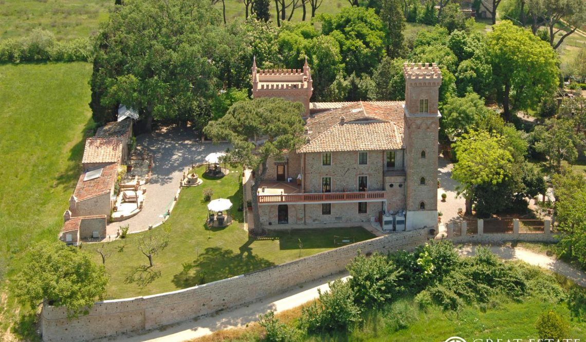 "CASTLES WORLD: GREAT ESTATE, FEATURED AS PROTAGONIST EVEN IN ""VILLE&CASALI"""