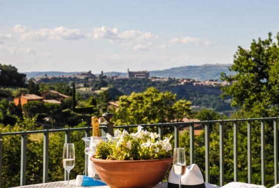 "A gold October for Great Estate: the sale of ""Villa La Luna"" in Orvieto"