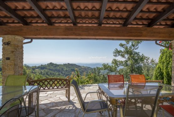 "Surrounded by the hills, this is ""La Terrazza Sul Monferrato"" farmhouse"