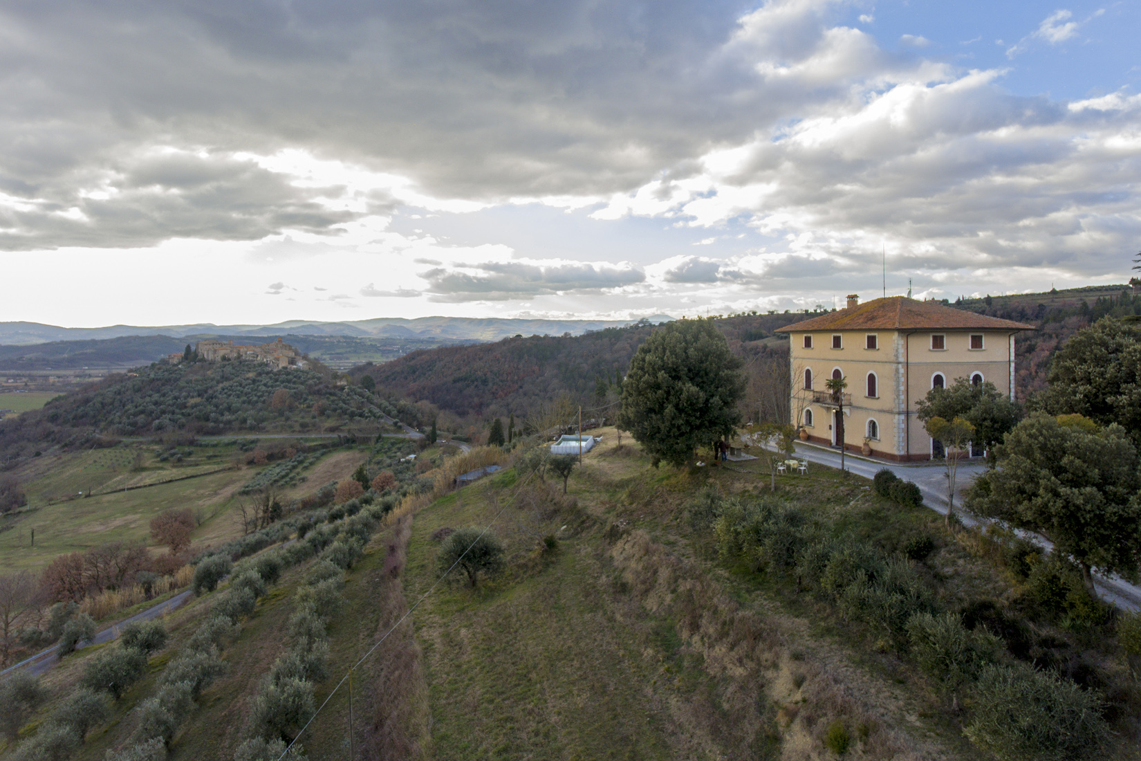 "Nature, atmosphere and suggestive landscapes: ""L'Eco Della Valle"""