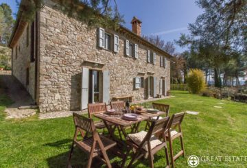 """A welcoming farmhouse with a strong personality: """"Residenza Boho Chic"""""""