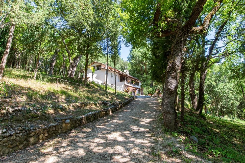 Un tour 360° all'interno di un'affascinante dimora umbra: villa Sant'Urbano