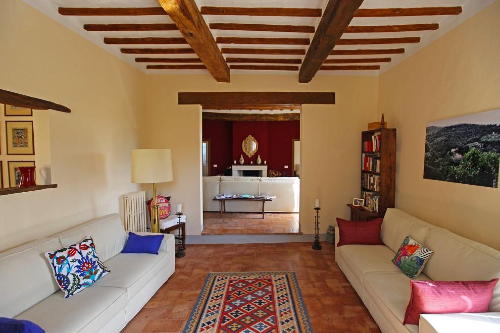 Questa immagine ha l'attributo alt vuoto; il nome del file è vendesi-appartamento-in-centro-storico-in-toscana-siena-cetona-15719887161149.jpg