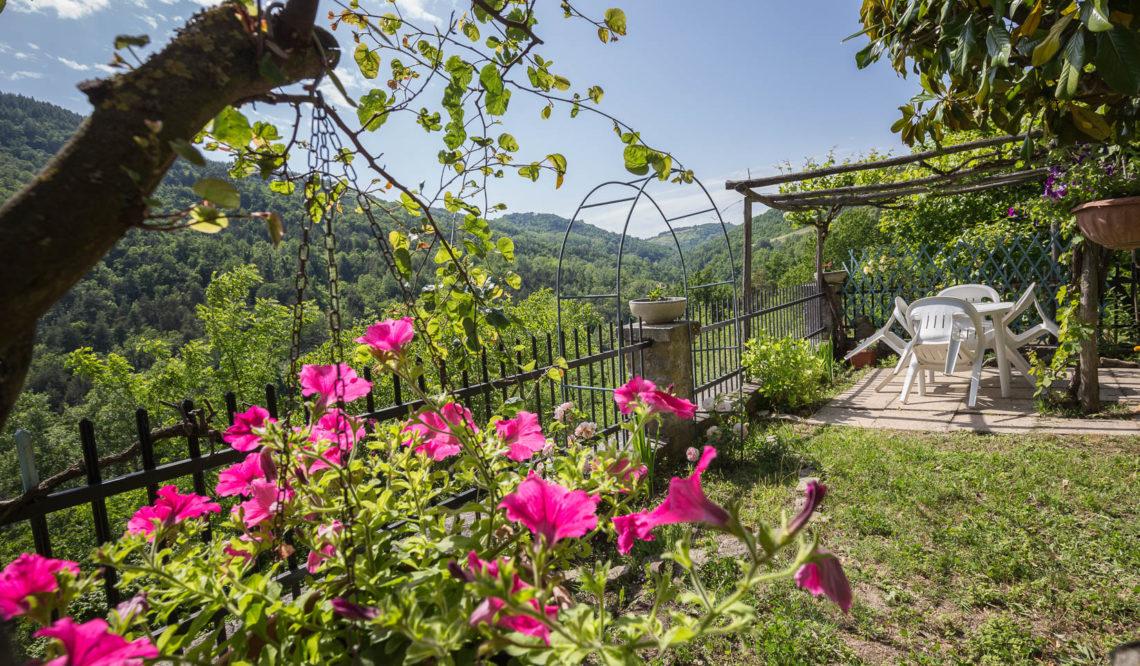 An ancient Cascina into the Langhe area: Cascina Castaneum