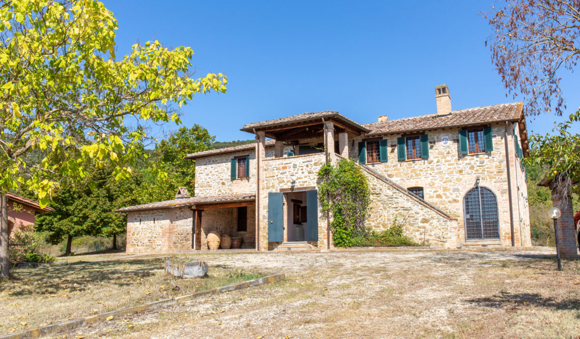 Landscapes and country estates in the Trasimeno area: the Montemelino farmhouse