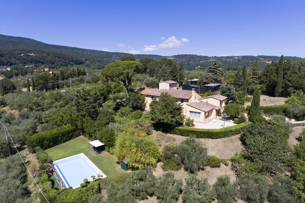 """Autumn sun shines on Great Estate: the sale of """"La Perla Cetonese"""""""