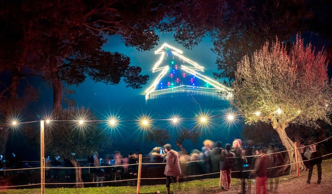 """Le """"Luci Sul Trasimeno"""" accendono il Natale di Castiglione Del Lago: intervista al Sindaco"""