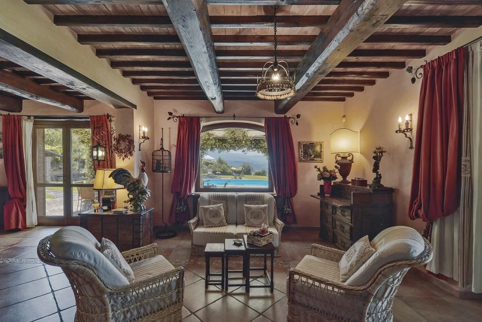 il re della valle, casale, todi, umbria, vendita great estate