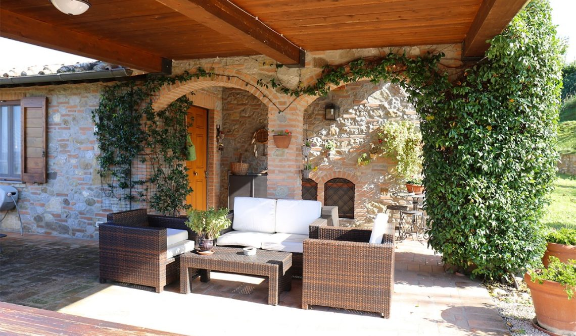 "Our Agent Chiara Pompili tells us about selling ""La Loggia Pievese"""