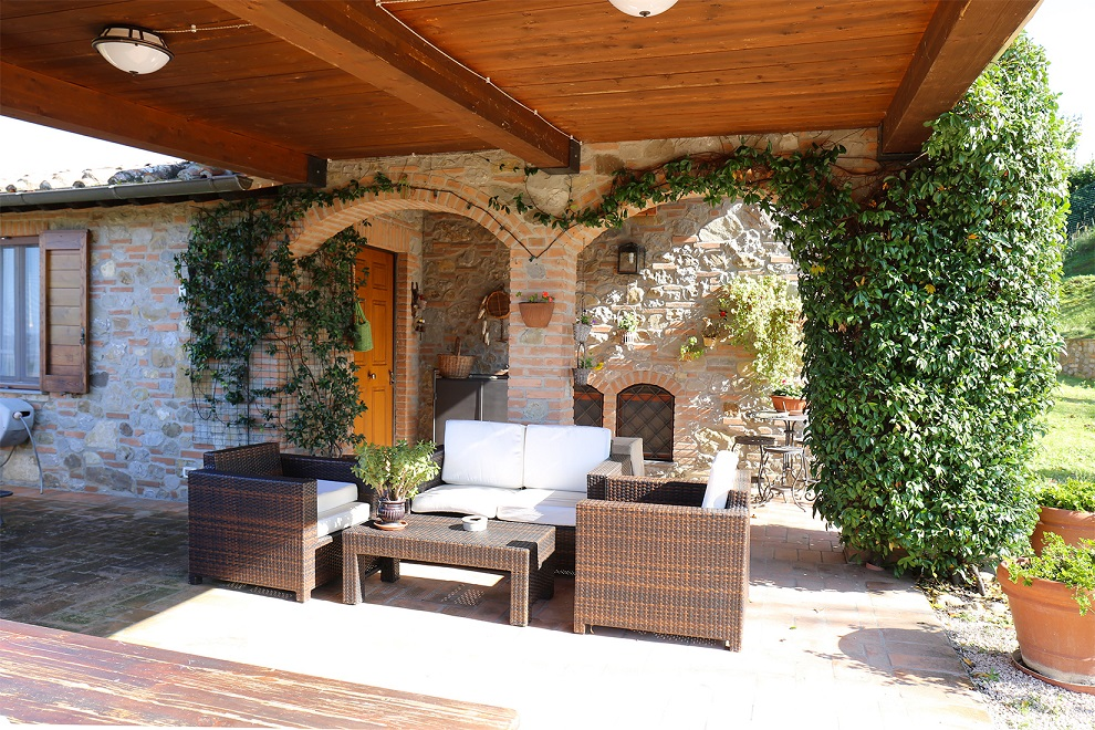 """Our Agent Chiara Pompili tells us about selling """"La Loggia Pievese"""""""