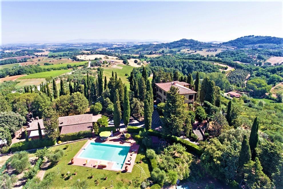 """""""Il Peraio"""": la tua villa esclusiva nelle campagne del sud della Toscana"""