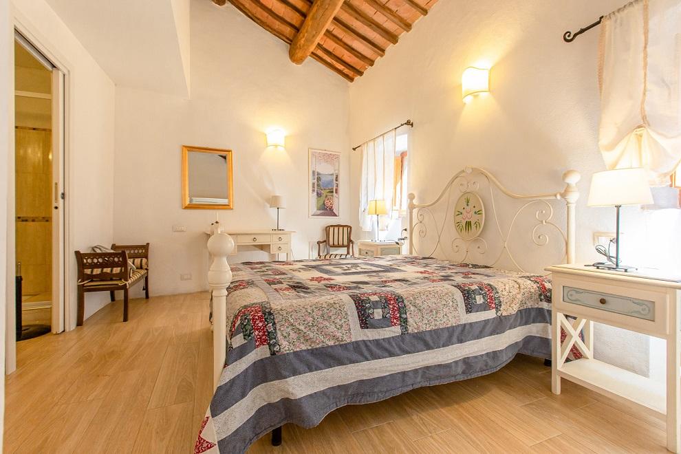 vendesi-appartamento-in-centro-storico-in-toscana-arezzo-cortona-15946376626438