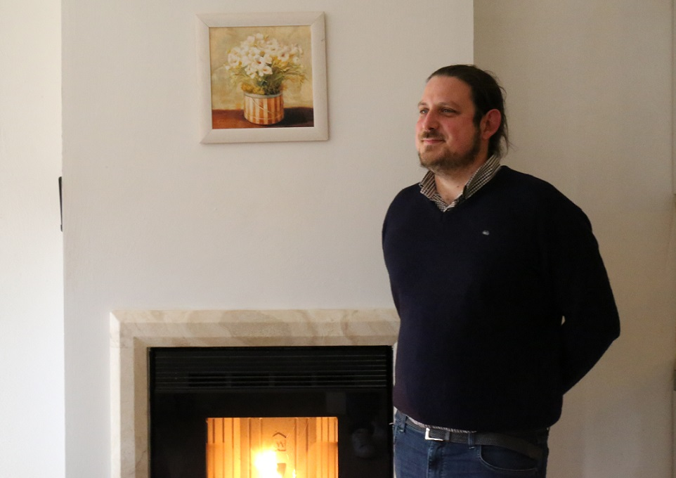 "Nicolò Cordone and ""Amore Di Vino"": a very detailed ""virtual-work"""
