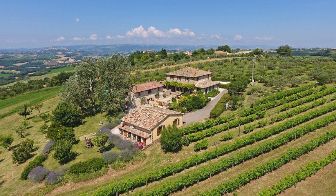 """""""Il Paradiso Su Todi"""": make your dream come true with the Virtual Visits of Great Estate"""