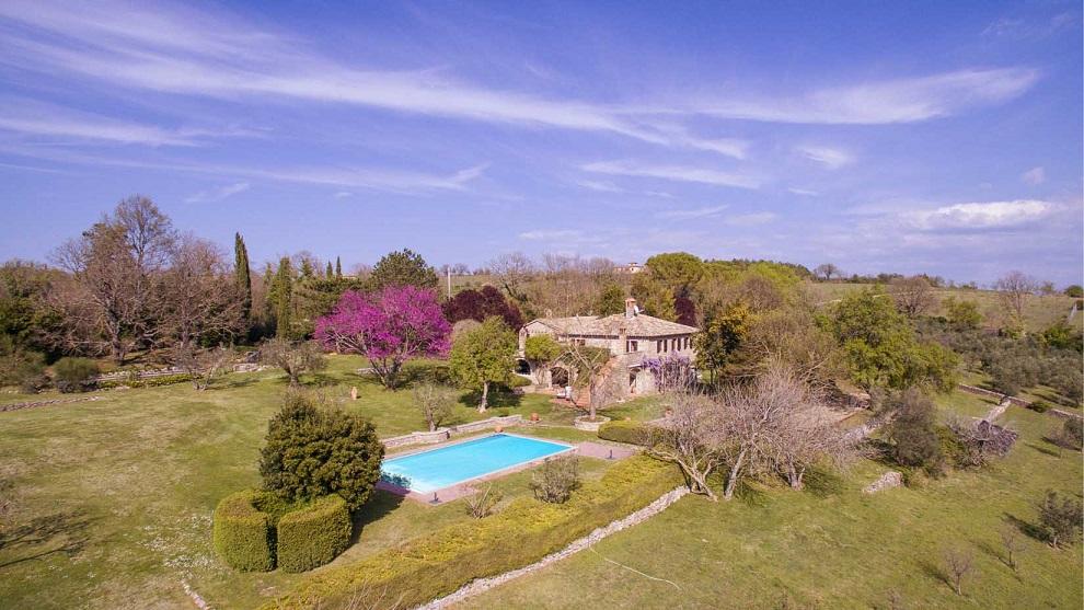"""Продажа """"Podere Acquaviva"""" – прекрасный результат сотрудничества Umbria Domus и Great Estate"""