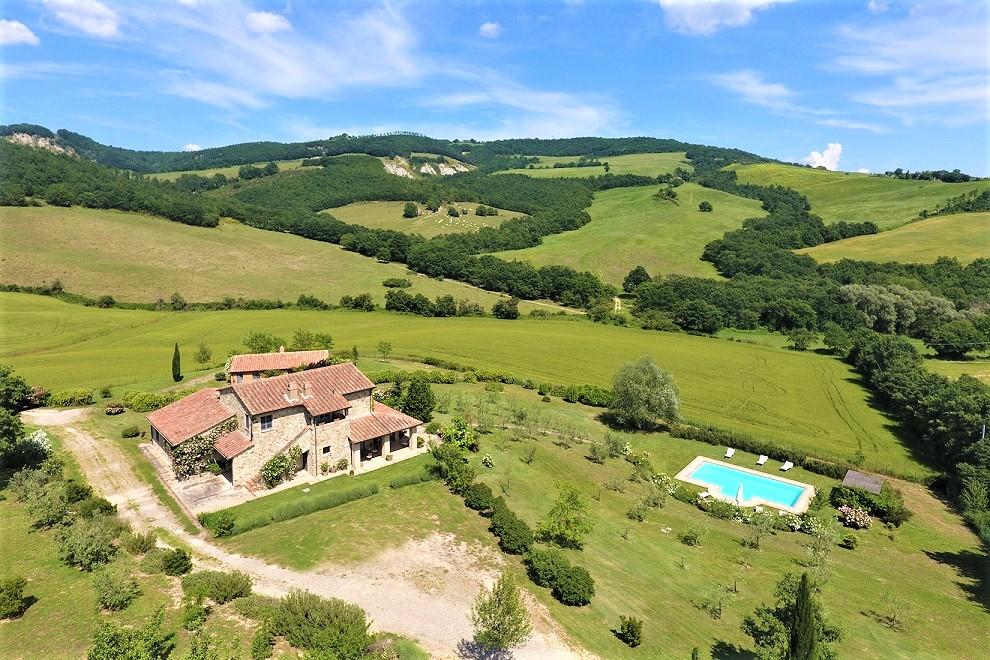 Questa immagine ha l'attributo alt vuoto; il nome del file è vendesi-rustico-casale-in-toscana-siena-san-casciano-dei-bagni-15278574555233-2.jpg